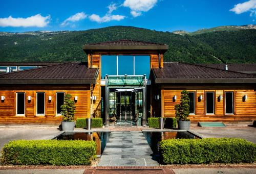 Jiva Hill Resort : Hotel near Saint-Jean-de-Gonville
