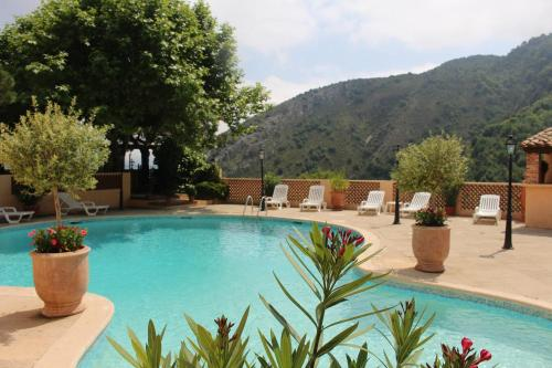 Le BELLEVUE- MARTINON : Guest accommodation near Lantosque