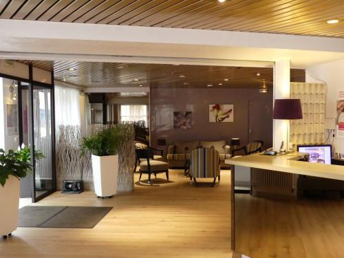 Inter-Hotel Evreux de L'Orme : Hotel near Gravigny
