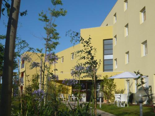 Villa Bellagio Euromedecine by Popinns : Hotel near Montferrier-sur-Lez