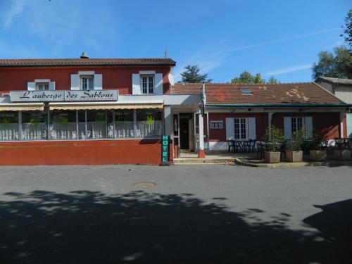 Auberge des Sablons : Hotel near Thoissey