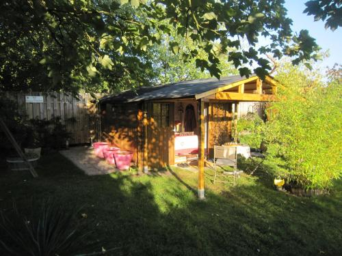 B&B 2 Zen Cabane : Bed and Breakfast near Coye-la-Forêt