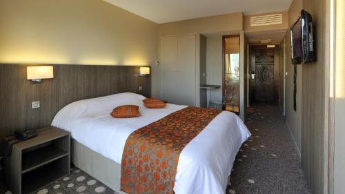 Hotel The Originals Arcachon Centre Le Nautic : Hotel near La Teste-de-Buch