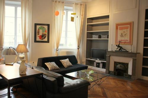 Appart' Fleurieu : Apartment near Lyon 2e Arrondissement