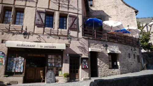 Auberge Saint Jacques : Hotel near Saint-Parthem