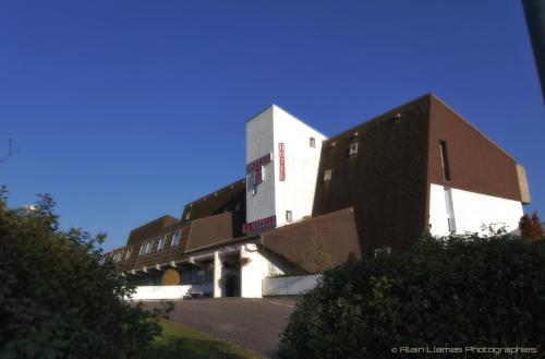Hotel La Mezelle : Hotel near Montcourt