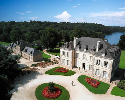 Château de Locguénolé : Hotel near Merlevenez