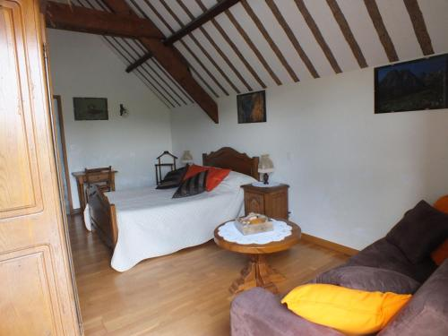 Anousta : Bed and Breakfast near Adé