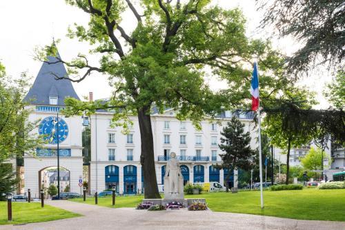 Le Plessis Grand Hotel : Hotel near Antony
