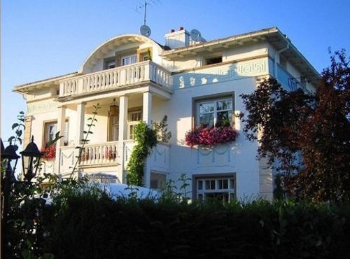 Hotel Restaurant Villa Katz : Hotel near Friedolsheim
