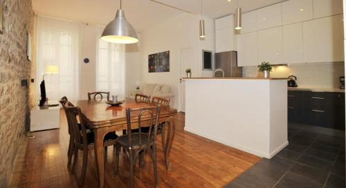 Appart' Montesquieu : Apartment near Lyon 7e Arrondissement