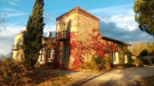 Chambres d'Hôtes Le Loubet : Guest accommodation near Menville