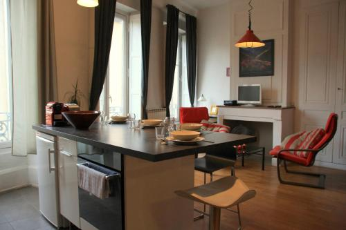 Appart' Sathonay : Apartment near Lyon 4e Arrondissement