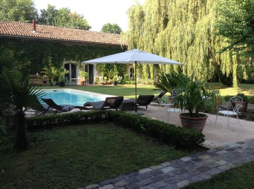 Chambres d'hôtes Domaine de Ginouilhac : Bed and Breakfast near Le Haillan