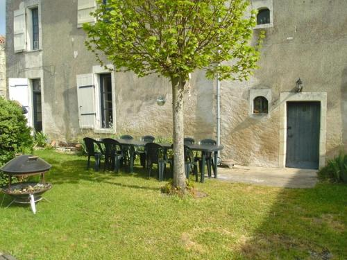 5 Bedroom House Vendee : Guest accommodation near Châtellerault