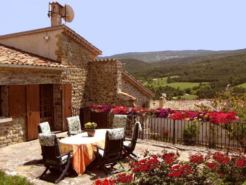 Gîte du Cladan : Guest accommodation near Saint-Genis