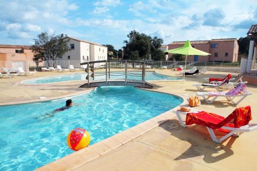 Résidence Néméa les Portes des Cévennes : Guest accommodation near Cannes-et-Clairan