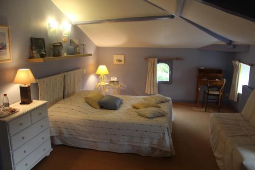 Au Bon Accueil : Bed and Breakfast near Sainte-Lheurine
