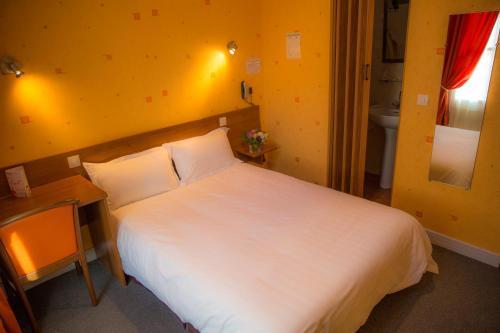 Hotel Du Cygne Tours : Hotel near Tours