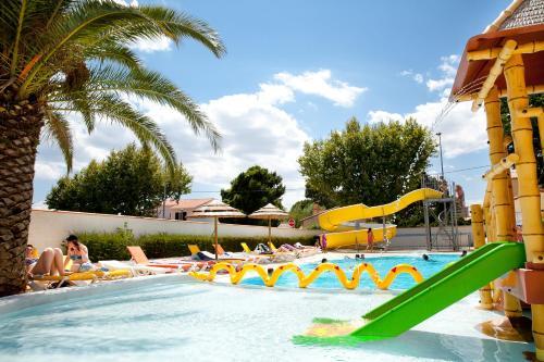 Camping la Pergola : Guest accommodation near Torreilles