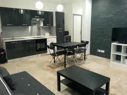 Residence La Phalene Elodie : Apartment near Le Revest-les-Eaux