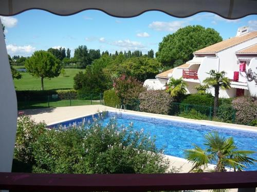 Green Village : Apartment near Candillargues