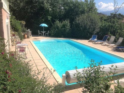 Studio indépendant dans villa avec piscine à Gap : Apartment near Remollon