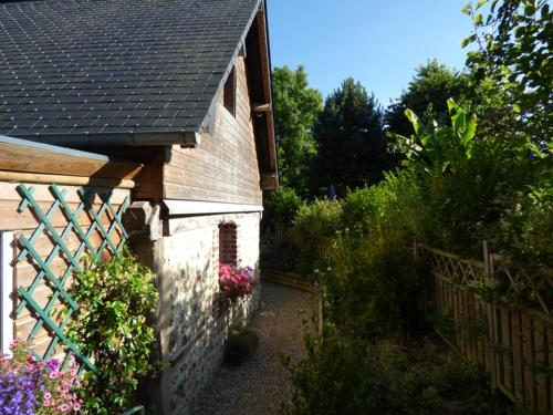 Maison Chemin Des Buttereaux : Guest accommodation near Saint-Julien-sur-Calonne