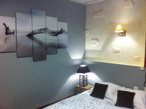 Ariane : Hotel near Cusset