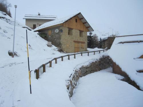 Chalet Baptiste : Guest accommodation near Orcières