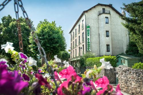 Logis le Mont Aigoual : Hotel near Dourbies