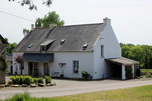 Préméhan : Bed and Breakfast near Saint-Nicolas-de-Redon