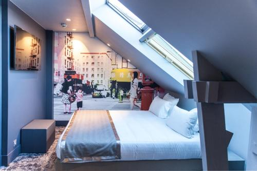 Comfort Hotel Sixteen Paris Montrouge : Hotel near Cachan