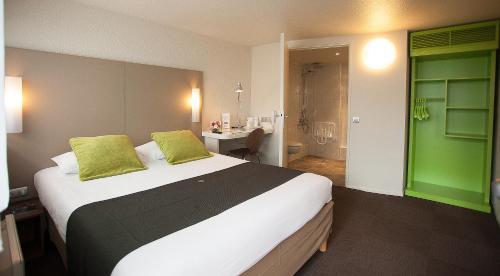 Campanile Marseille Vitrolles Griffon : Hotel near Les Pennes-Mirabeau