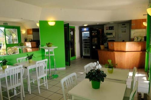 Lemon Hotel Plan de Campagne Marseille : Hotel near Bouc-Bel-Air