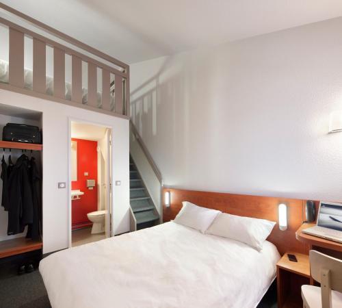 Hôtel B&B Clermont-Ferrand Le Brézet Aéroport : Hotel near Les Martres-de-Veyre