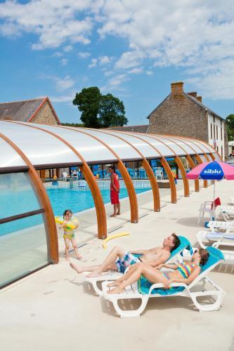 Camping de Litteau : Guest accommodation near Le Mesnil-Rouxelin