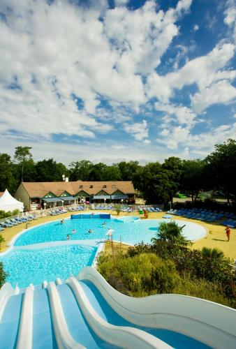 Camping Les Pierres Couchees : Guest accommodation near Corsept