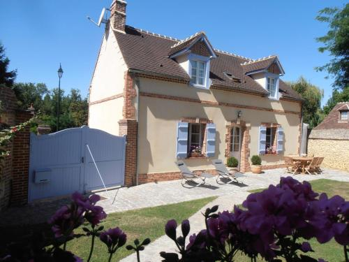 Gite les Merlettes : Guest accommodation near Valescourt