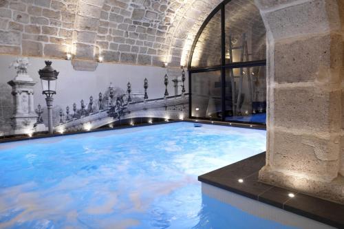 Hotel La Lanterne : Hotel near Paris 5e Arrondissement