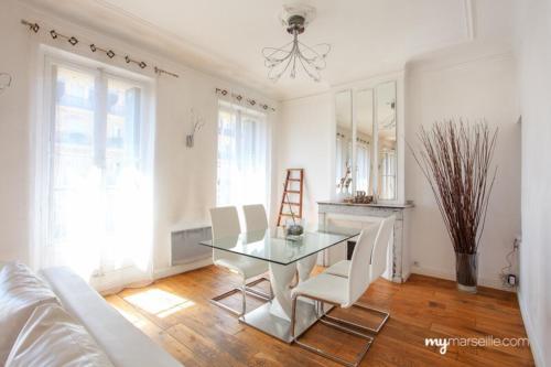 Appartement Lumineux Au Vieux Port : Apartment near Marseille 3e Arrondissement