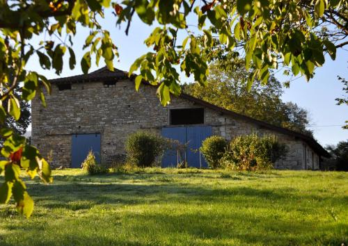 Terres de la Grange : Bed and Breakfast near Pirajoux