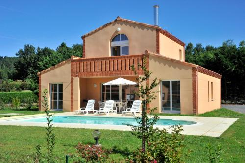 Estivel - Royal Green : Guest accommodation near Lagarrigue