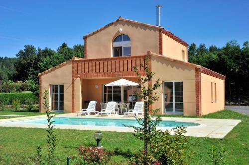 Estivel - Royal Green : Guest accommodation near Lacrouzette