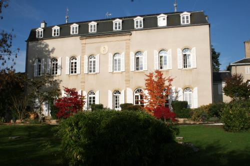 La Source En Barange : Bed and Breakfast near Saint-Vallerin