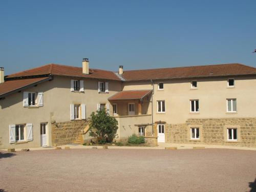 La Ferme Du Chapi : Bed and Breakfast near Frontenas