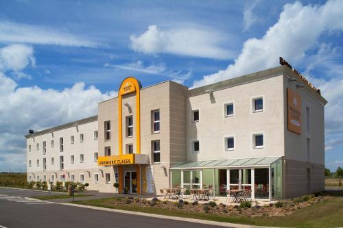 Premiere Classe Maubeuge : Hotel near Recquignies