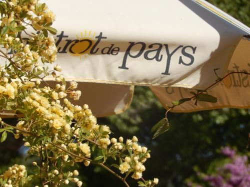 Bistrot de Pays L'Imprévu : Hotel near Beaumettes