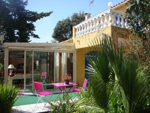Le Soleil Bleu : Bed and Breakfast near Fréjus