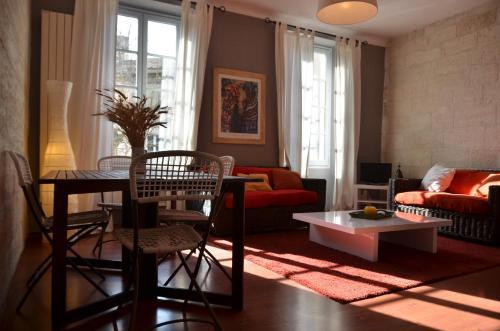 Bel appartement Villeneuve Lès Avignon : Apartment near Villeneuve-lès-Avignon